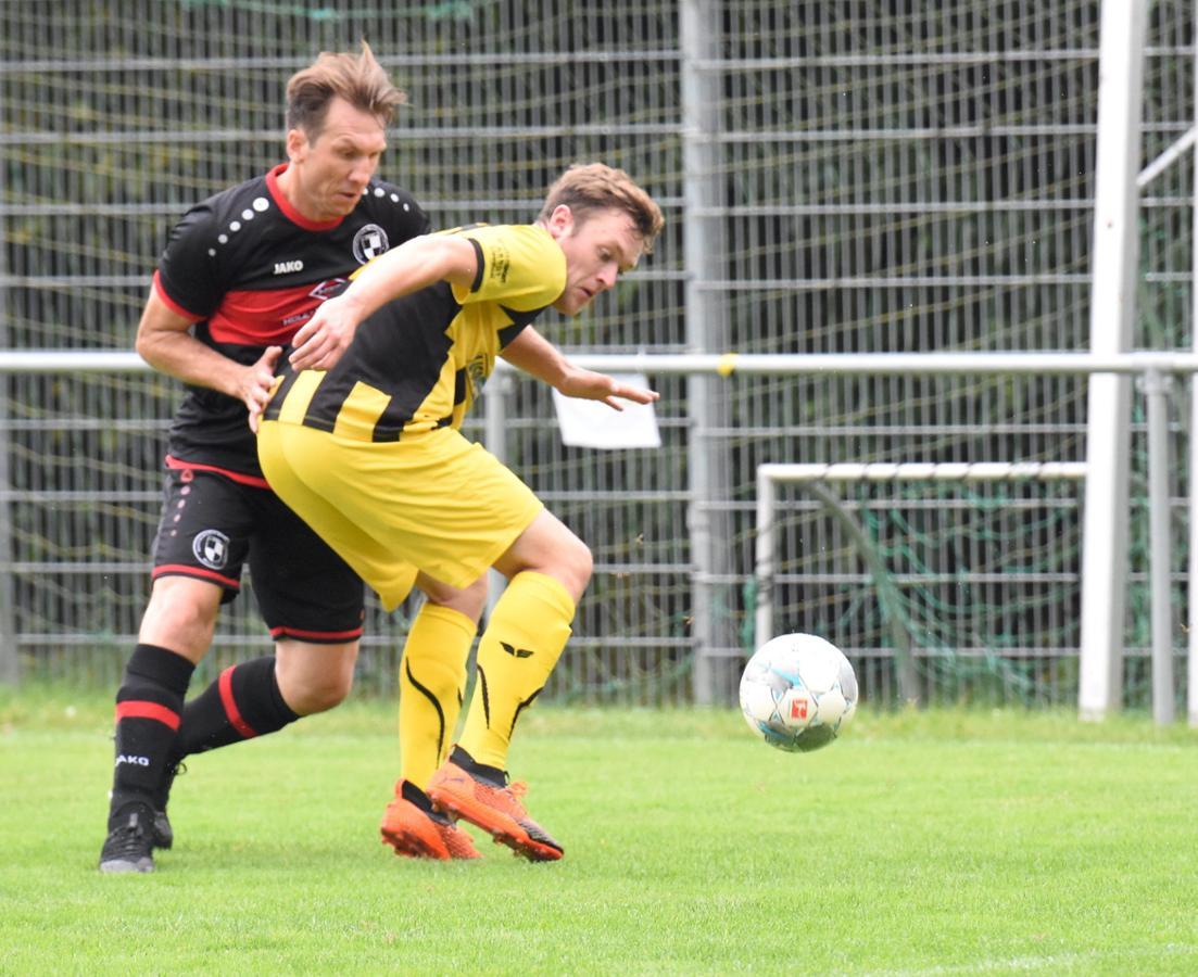Top-Torjäger der Fußball-Bezirksliga 7 verlängert gleich um zwei Jahre